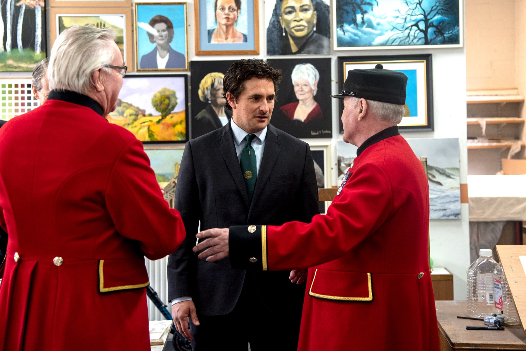Johnny Mercer MP Meets Chelsea Pensioners