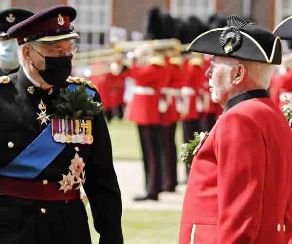 HRH Duke of Gloucester meeting Pensioner Tony Judge