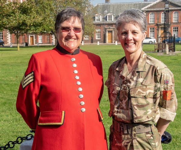Major General Nesmith visits Royal Hospital Chelsea