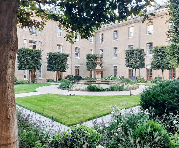 Salisbury Court Gardens - Royal Hospital Chelsea
