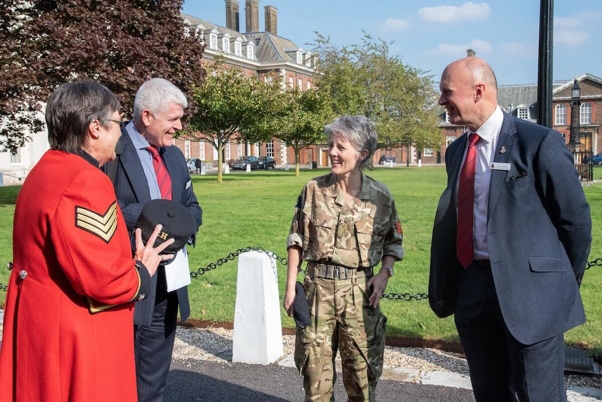 General Nesmith Visits Royal Hospital Chelsea
